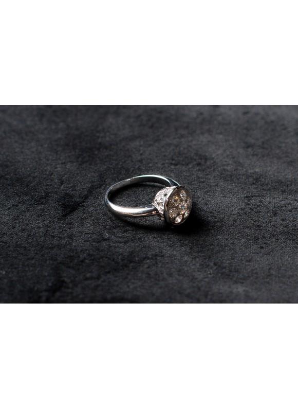 Кольцо дизайнерское с белыми бриллиантами